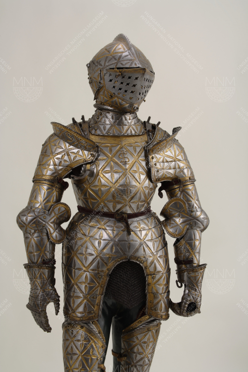 SUIT OF ARMOUR BELONGING TO KING SIGISMUND II AUGUSTUS OF POLAND WHEN A CHILD